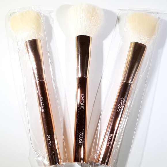 Chique Other - 3 Chique Makeup Brushes ~ Blush Brush - Brand NEW